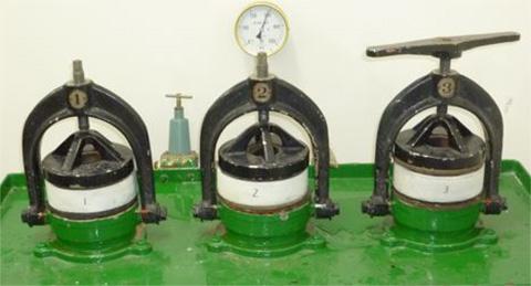 JIS A 1404-1994に準拠した透水試験実施